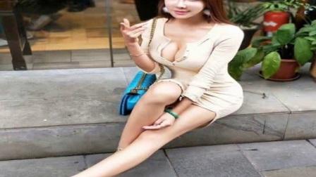 龚玥菲无处捞金,靠自拍照吸引关注度,网友的评论
