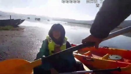 陈一发儿带女儿去划船,和老板的交流太搞笑了