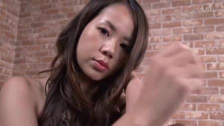 美女日本豹纹美胸好身材美女诱惑写真官媚直播