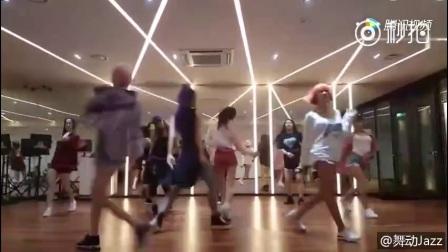 韩国女团SPICA非常少见的性感热舞,值___-来自舞