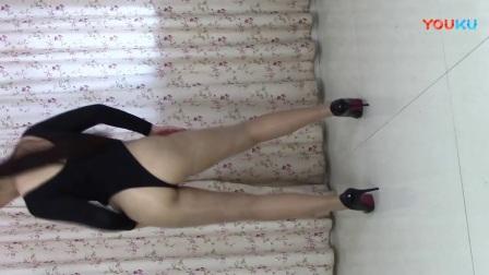 油光丝袜紧身美女2_超清