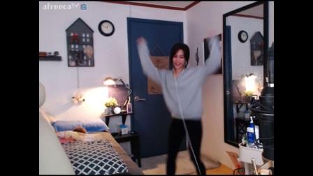 05韩国美女主播热舞身材