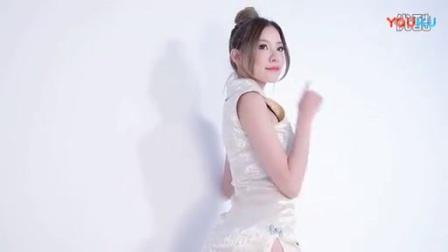 丝袜美腿诱惑日本美女写真视频清新美女自拍图