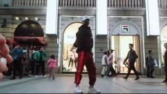 鬼舞十七-【火,火】太骚了,虎牙户外旅游街舞直播-武汉站-汉街