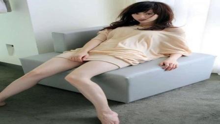 爱自拍秀长腿的美女注意了!王心凌首曝自拍逆