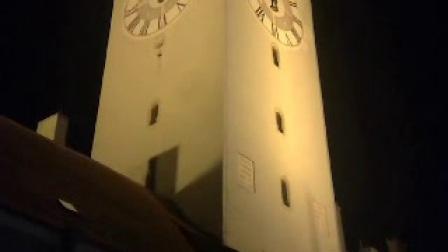 19世紀中期至今,德國博爾·威納鋼琴LOGO與鐵排徽標的設計取形都源自施特勞賓標志性建筑市中心的三尖鐘樓。