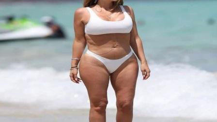皮蓬爱妻迈阿密海滩白色比基尼拍写真与卡戴珊