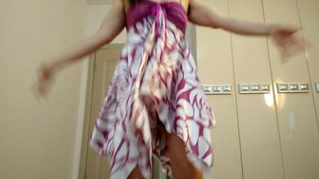 点击观看《晨风广场舞 长裙自拍广场舞 美爆啦》