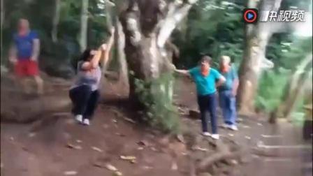 美女玩荡树游戏失误出糗搞笑集锦,看着都疼