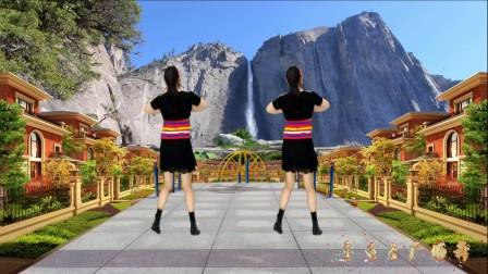 点击观看《2018最新 蓝天云广场舞 快乐舞步 大笑江湖 附教学分解视频》