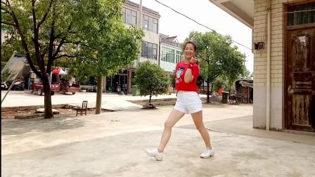 点击观看《金社广场舞 鬼步舞 花桥流水 编舞 星语心愿》