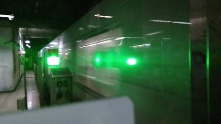 上海地铁1号线116号车上海体育馆站上行出站(富