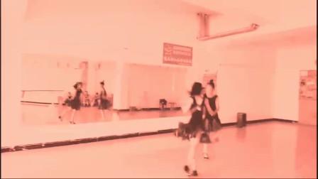 【小冬舞校】国家卉、孙琬璎课间自习
