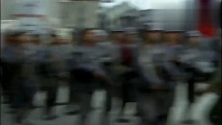 鬼子与中国军人在街上相遇,也不看看这是谁的