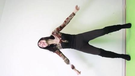 点击观看《孩子她妈跳广场舞视频 事实证明我不讨厌广场舞》