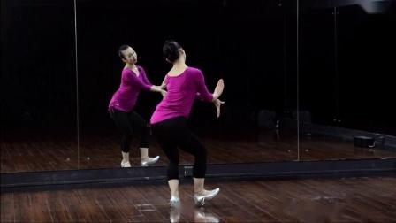 点击观看《糖豆广场舞《玫瑰恋情》傣族舞广场舞教学分解视频 附正背面示范》