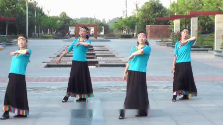 点击观看《团队集体舞梦见你的那一夜 好学中老年人健身藏族舞视频》