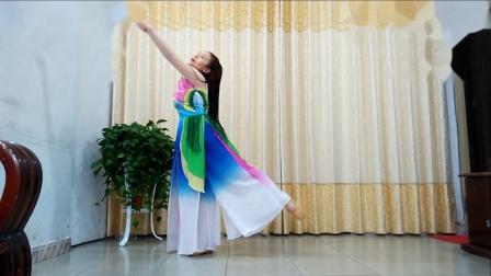洁琼广场舞 好身材妇女跳如花似梦背面示范