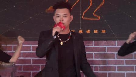 """现场版《野狼disco》来袭,""""老舅""""嗨翻全场超劲爆! 天猫发布会哈尔滨站 20191021"""