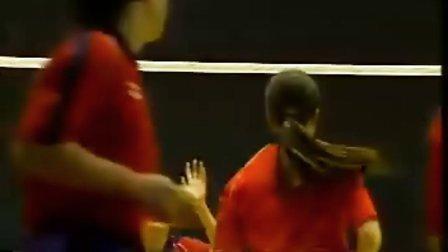 排球视频教学:08(移动传球练习、勾手发球)