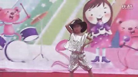娃娃乐幼儿园学前班男生舞蹈《牛仔很忙》