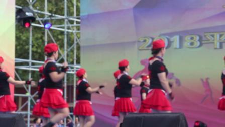 荣蓉广场舞 红红的线 广场舞大赛视频整个舞队都上了