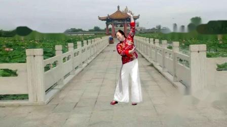 点击观看2018年最新宜阳明萱广场舞学跳古典形体舞 莲花亭视频