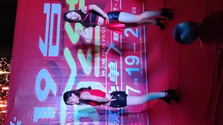 【拍遍怀来】沙城万悦广场三位性感美女跳舞