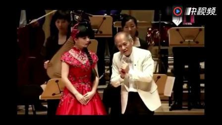 王二妮在新加坡开音乐会,观众热情如火,纷纷