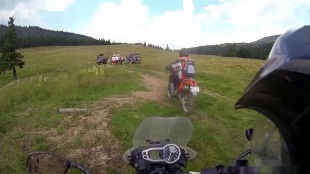 凯旋老虎800 XC丛林穿越追逐越野摩托车