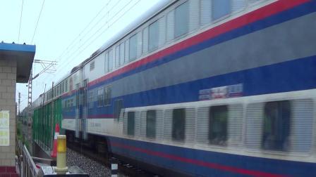2018年7月17日拍火车——DF4DH4124牵引Y513次列车通过顺义铁路道口