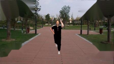 点击观看《宜阳明萱广场舞 一晃就老了 32步广场舞演示》