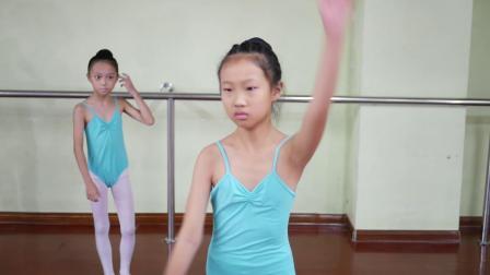 南方舞蹈��g�W校中��舞精品班��l