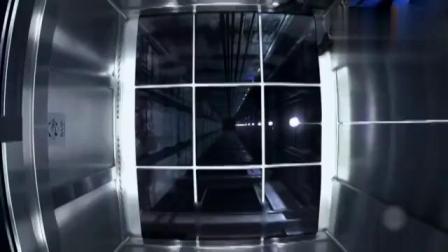 国外恶搞整蛊,全用高科技呀!电梯地板突然全