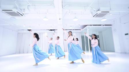 点击观看《派澜中国舞 菩萨蛮 好看的中国舞视频 看得我眼睛都不动啦》