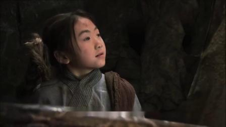 小女孩被巨蟒纏住,關鍵時刻紅巨狼現身相救,原來他們兩是舊識