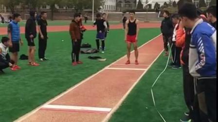 体育生三级跳9.58