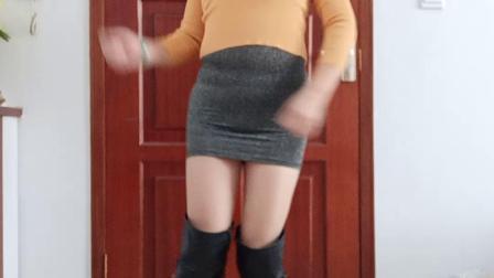点击观看《王一丹广场舞 皮靴跳健身舞视频》