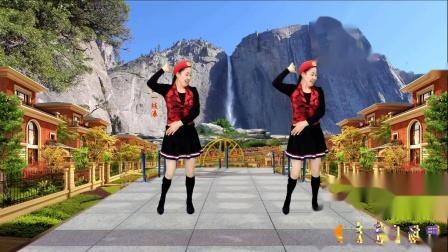 点击观看《蓝天云广场舞 潇洒水兵舞 山谷里的思念 好看好学  附教学》