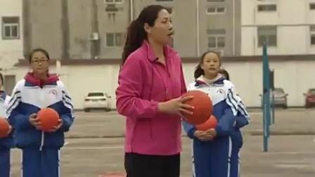 七年級體育排球正面雙手墊球-盱眙縣馬壩初級中學