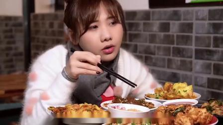 吃播:小姐姐吃家常美食,大口大口塞,真的很诱人看着就想吃