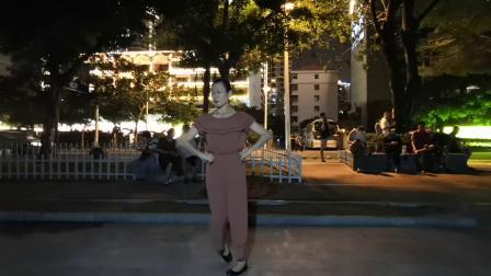 三亚湾广场舞随跳