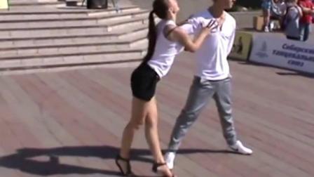 俄罗斯广场双人拉丁舞恰恰