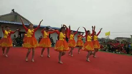 輝輝廣場舞,舞動中國