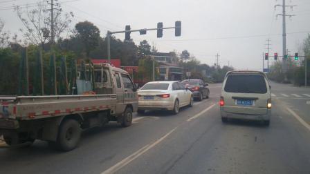 娄底市吉星北路经开区十字路口等红绿灯左转弯三一重工£¬