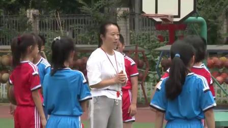 小学体育与健康四年级《篮球原地双手胸前传接球》(小学体育与健康优秀课例教学实录视频)
