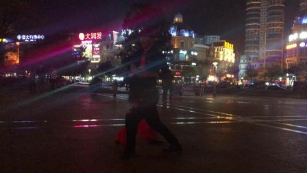 广场舞小苹果与蚌埠萍萍老师文化广场友情表演¡£