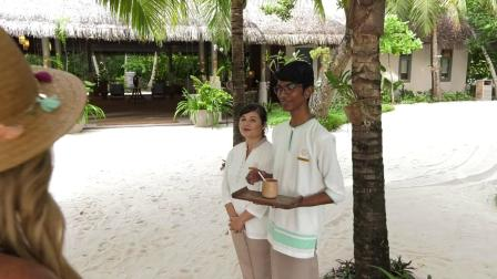 Host Linda Cooper features Vakkaru Maldives on  Travel Time with Linda-瓦卡鲁