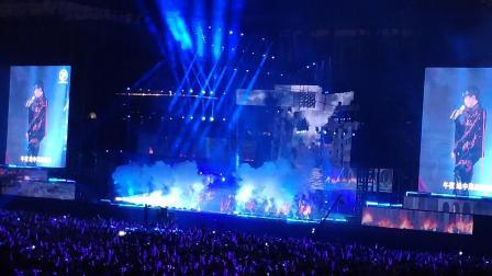 林俊杰2019圣所厦门演唱会之《明天》,超酷炫,舞蹈,霸气,高音!这一刻最美,灯光好赞!