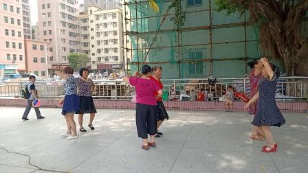 深圳下村老人广场舞